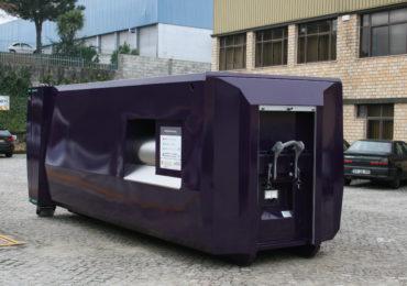 Grand compacteur à déchets ville